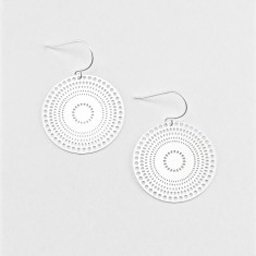 Hypnotic earring in silver