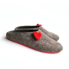 Women's Felt Clogs With Red Heart