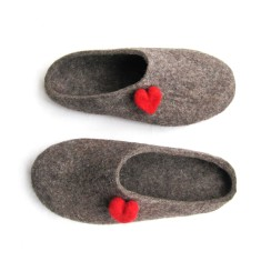 Women's felted slippers with red heart