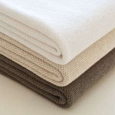 Luxury honeycomb knit blankets