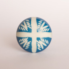 Hot cross knob/drawer pull