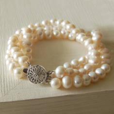 Vintage Style Three Strand Pearl Bracelet