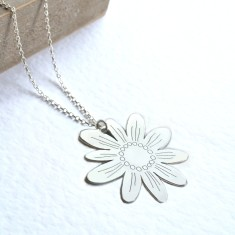 Personalised large sterling silver daisy necklace