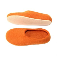 Women's Felt Slippers In Loving Flame