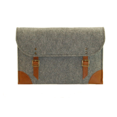Grey felt case for your laptop with brown leather