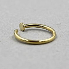 Classic nail ring in gold