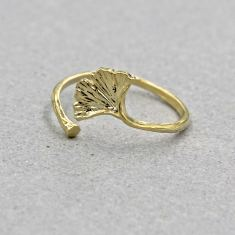Gingko leaf ring in gold