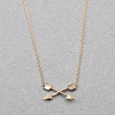 Crossed arrow necklace in rose gold