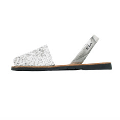 Porter leather sandals in snow