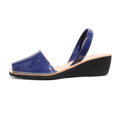 Sinia patent leather wedge sandals in marine