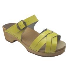 Sandal yellow patent low