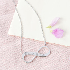 Women's personalised infinity chain necklace