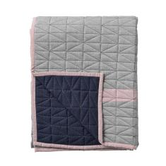 Quilted fabric jersey throw