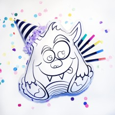 Scribble it! Colour-in Monster softie