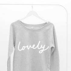Lovely Women's Scoop Neck Sweater