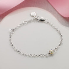 June birthstone bracelet in pearl