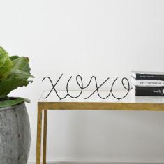 XOXO Wire Word