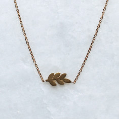 Arlo laurel leaf gold necklace