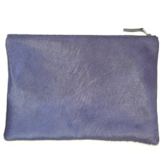 Clutch in indigo cowhide