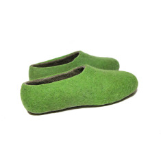 Women's Handmade Felt Slippers In Grass