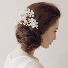 Bride flowers pearl hair comb