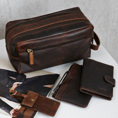 Leather wash bag travel set