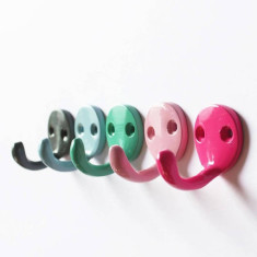 Small wall hooks in various colours (set of 4)