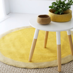 Spot round felt rug (various colours)