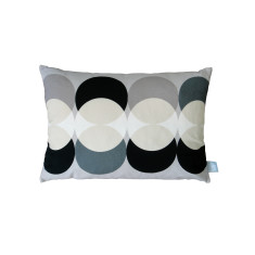Lindsey Lang ellipse cushion