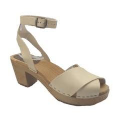 Linnea sandals