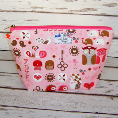 Woodland Animal Heart Pink Makeup Bag