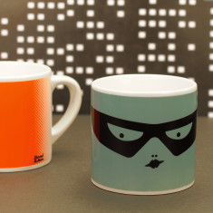 Kids' superhero mug in green