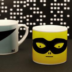 Kids' superhero mug in yellow