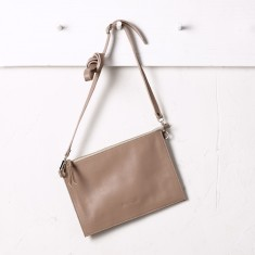 Manon handbag in almond