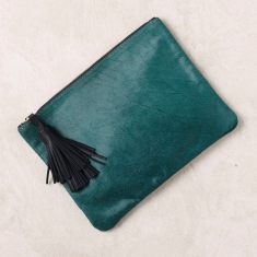 Masai Mara clutch in emerald green