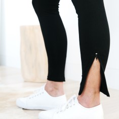 Ankle Zip Legging in Black