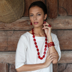 Mekong long resin necklace