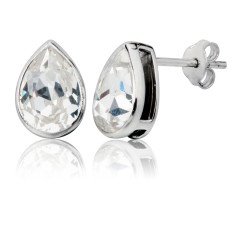 Classic teardrop stud earrings