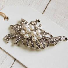 Vintage Style Leaf Brooch