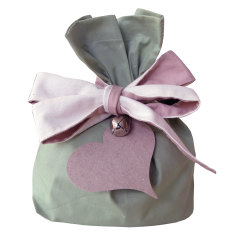 Mossy Point gift bag