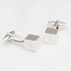 Contemporary personalised cube cufflinks