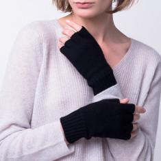 Classic fingerless gloves in black