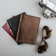 Prato italian leather passport cover