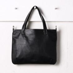 Natalia handbag in black