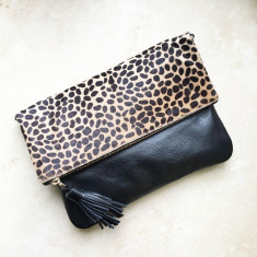 Oversized clutch in giraffe