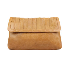 New York clutch in honey