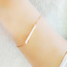 Bar bracelet in rose gold