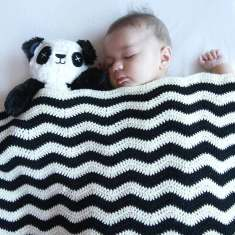 Ripple blanket in black & white