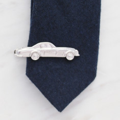 Vintage car tie bar in silver