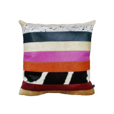 Nueva Raya cushion cover in pink